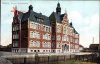 Uelzen in Niedersachsen, Blick auf das Neue Gymnasium, Seitenansicht