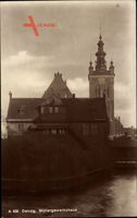 Gdańsk Danzig, Blick auf das Müllergewerkshaus, Flusspartie, Turm