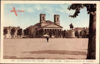 La Roche sur Yon Vendee, Place d'Armes, L'Eglise et la Statue de Napoleon