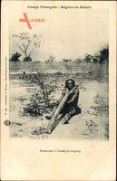 Französisch Kongo, Sémio, Prisonnier à Zandé, Gefangener, Geknebelt am Baum