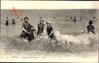 Dieppe Seine Maritime, Groupe de Baigneurs, Badende Frauen, Meer