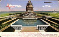 Leipzig in Sachsen, Blick auf das Völkerschlachtdenkmal, Zeppelin