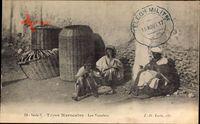 Types Marocains, les Vanniers, Blick auf Korbmacher bei der Arbeit
