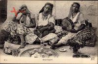 Maghreb, Mauresques, Junge Frauen, Brüste, Tamburin