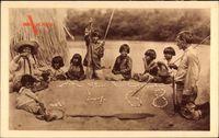 Brasilien, La classe sur le sable chez les Bororos, Indianerkinder,Unterricht