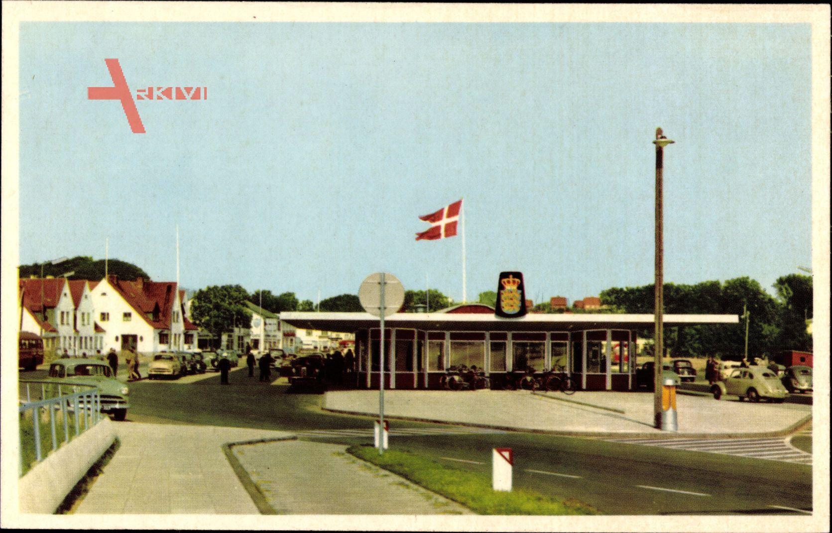 Krusaa Dänemark, Blick auf die Grenze, Graensen, Autos, Fahne