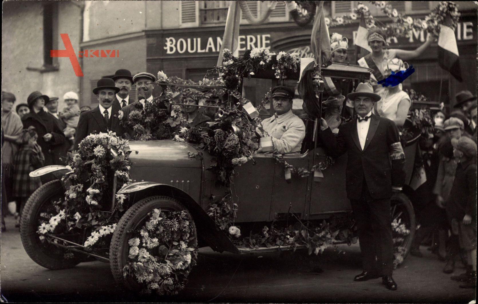 Frankreich, Automobil, Blumenbeschmückt, Straßenfest, Boulangerie