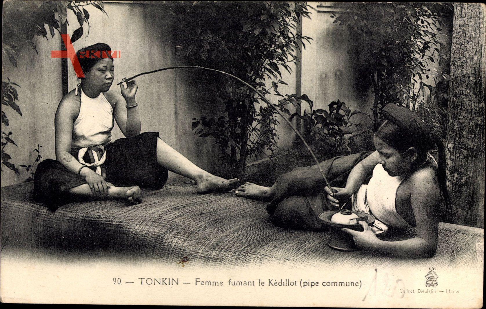 Tonkin Vietnam, Femme fumant le Kédillot, Pipe commune, Vietnamesin, Pfeiffe