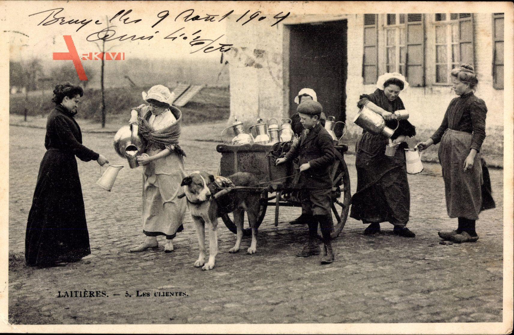 Belgien, Laitières, Les Clientes, Milchmädchen verkaufen Milch, Zughund