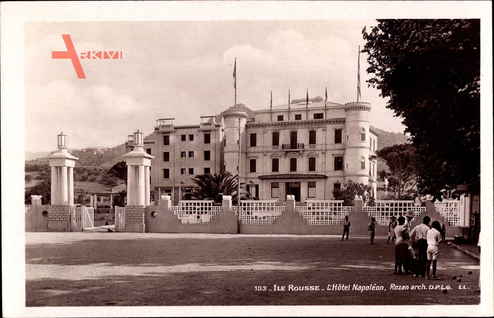Ile Rousse Haute Corse, Straßenpartie mit Blick auf Hotel Napoléon