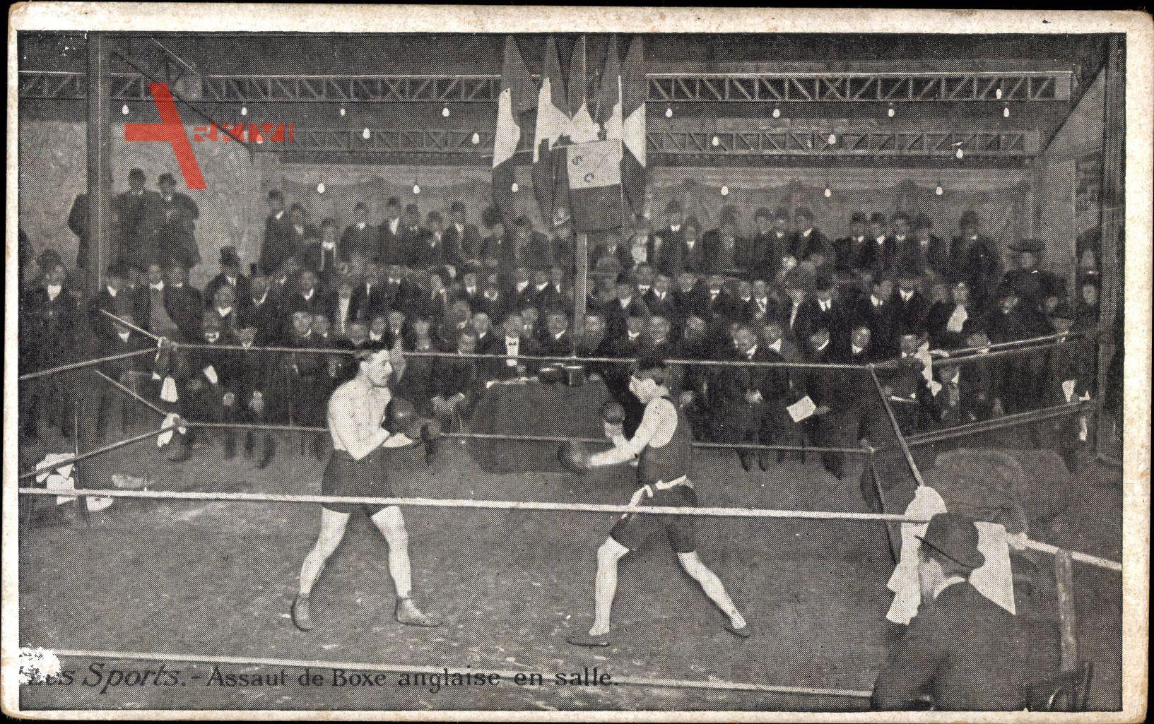 Sports, Assaut de Boxe anglaise en salle, Boxer beim Kampf, Boxring