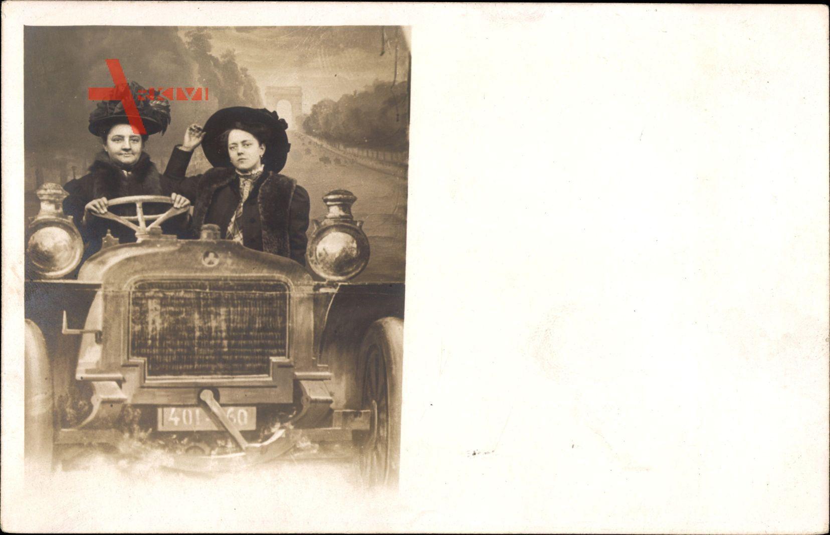 Zwei Frauen in einem Automobil, Fotomontage