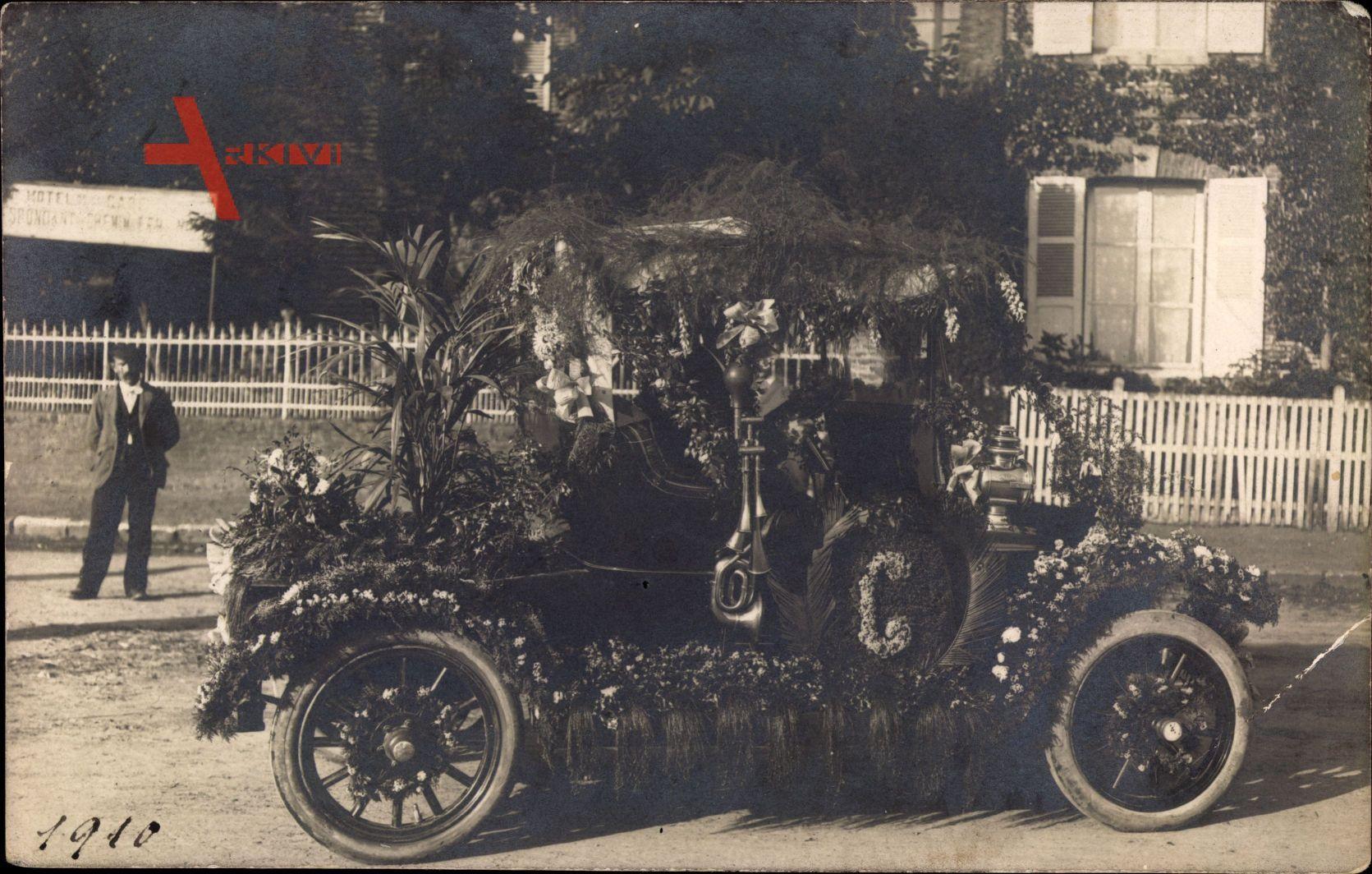Beauvais Oise, Beschmücktes Auto, Blumen, Hotel de la Gare