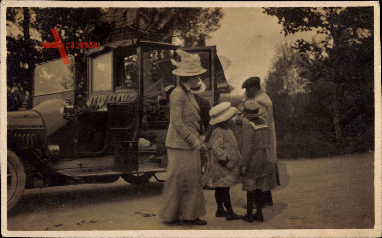 Frankreich, Automobil, Familienausflug, Kinder