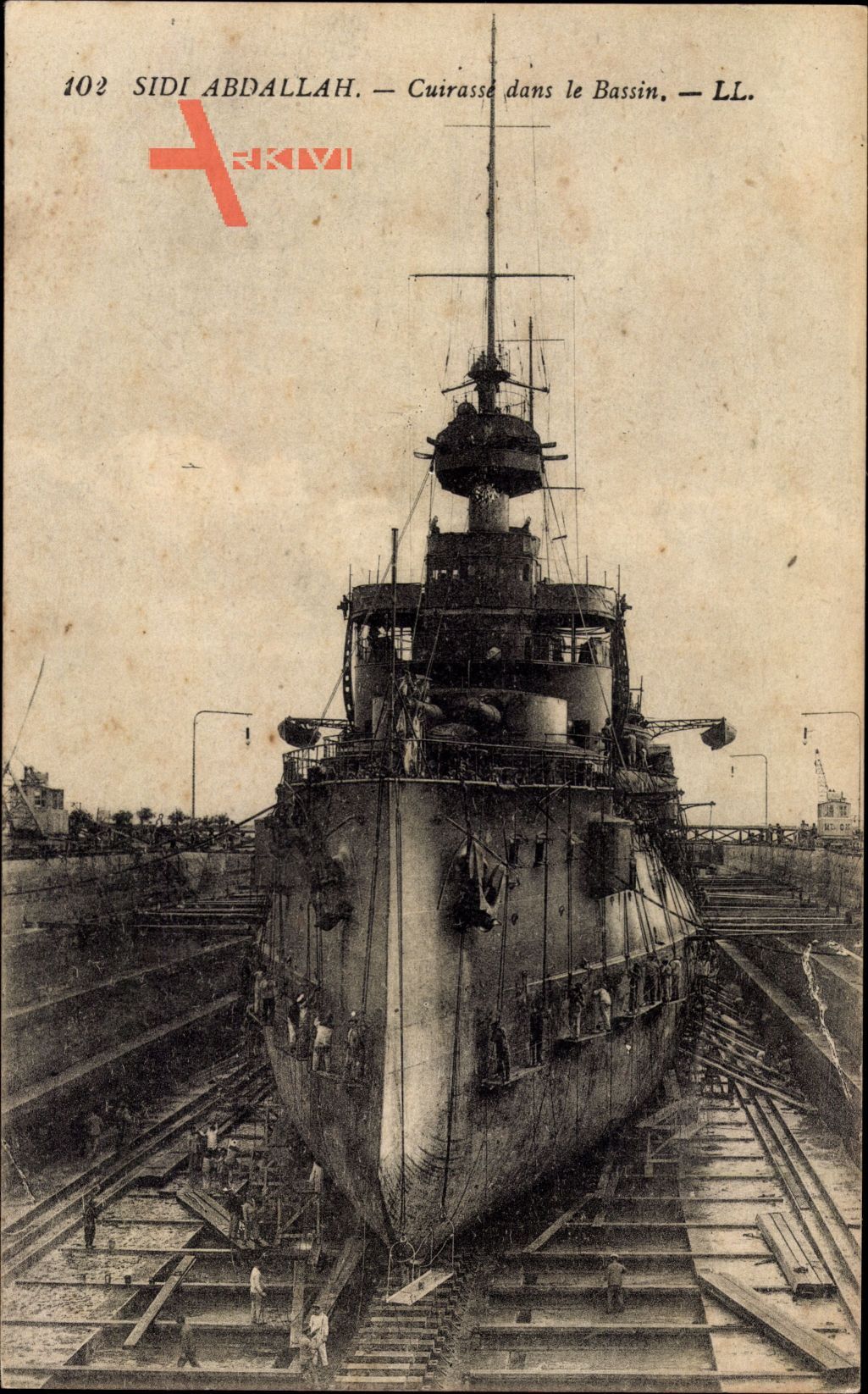 Sidi Abdallah Tunesien, Cuirassé dans le Bassin, Trockendock, Kriegsschiff