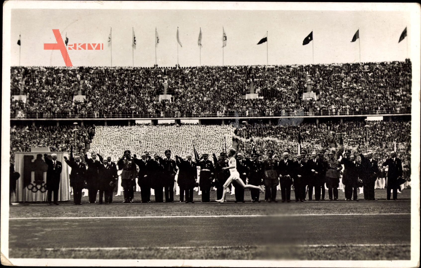 Berlin, Olympiade 1936, Fackelläufer, Fackelstaffel trifft ein,Olympiastadion