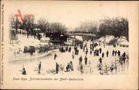 Riga Lettland, Schlittschuhbahn der Städtischen Realschule, Eisläufer
