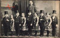 Souvenir de la premiere troupe Liliputiens hongrois, Liliputaner