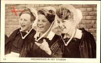 Weesmeisjes in het Stadion, Niederländerinnen in Trachten, Olympiade 1928