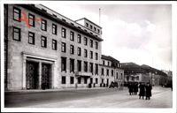 Berlin Mitte, Reichskanzlei am Wilhelmplatz, Fußgänger