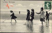 La Panne Westflandern Belgien, Sur la Plage, Kinder beim Spielen am Strand