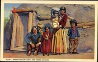 Arizona USA, Navajo Indian Family and Hogan, Indianer