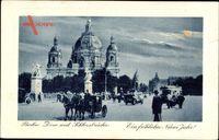 Berlin, Blick auf den Dom mit Schloßbrücke, Straßenleben