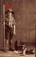 Frankreich, Pfadfinder, Wanderstock, Hunde, Uniform, Hut, Halstuch