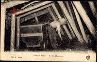 Dans la Mine, Un Chargeur, Bergbau unter Tage, Bergmann schaufelt Kohle