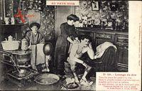 Au Pays Noir, Lavage du Dos, Frau wäscht Bergmann den Rücken