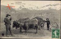 LAuvergne, un Attelage du Pays, Rinderfuhrwerk, Mann in Tracht, Berge