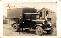 Frankreich, Mann vor einem Laster, LKW, 2802 RE 5