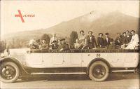 Lourdes, les Pyrenees, Pilgerfahrt, Reisebus mit offenem Verdeck