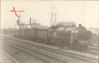 Französische Eisenbahn, Güterzug auf den Gleisen, Locomotive