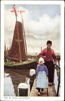 Edam Volendam Nordholland, Aan de haven, Hafenpartie, Vater und Tochter
