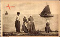 Edam Volendam Nordholland, Niederländer am Strand, Segelboote