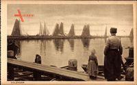 Edam Volendam Nordholland, Niederländer am Hafen, Segelboote