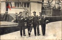 Dunkerque Nord, Marins en bordee, Ils sont joyeux, Seeleute mit Weingläsern
