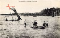 Colombo Ceylon Sri Lanka, Mount Lavinia, Einheimische im Wasser, Palmen