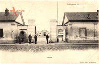 Saint Germain Yvelines, Caserne, Straßenpartie mit Blick auf Kaserne, Eingang