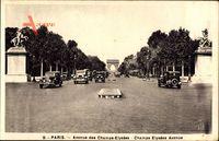 Paris, Avenue des Champs Elysees, Autos, Pferdestatuen, Triumphbogen