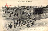 Taourirt Marokko, Le train des Equipages devant la cuisine