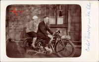 Ehepaar auf einem Motorrad, Hutchinson Corp. Reifen, IS 49305