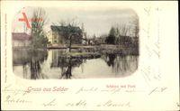 Salder Salzgitter in Niedersachsen, Blick übers Wasser auf Schloss mit Park