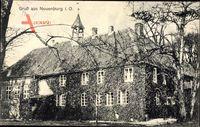Neuenburg Zetel in Friesland, Blick auf das Schloss, Rankenbewuchs